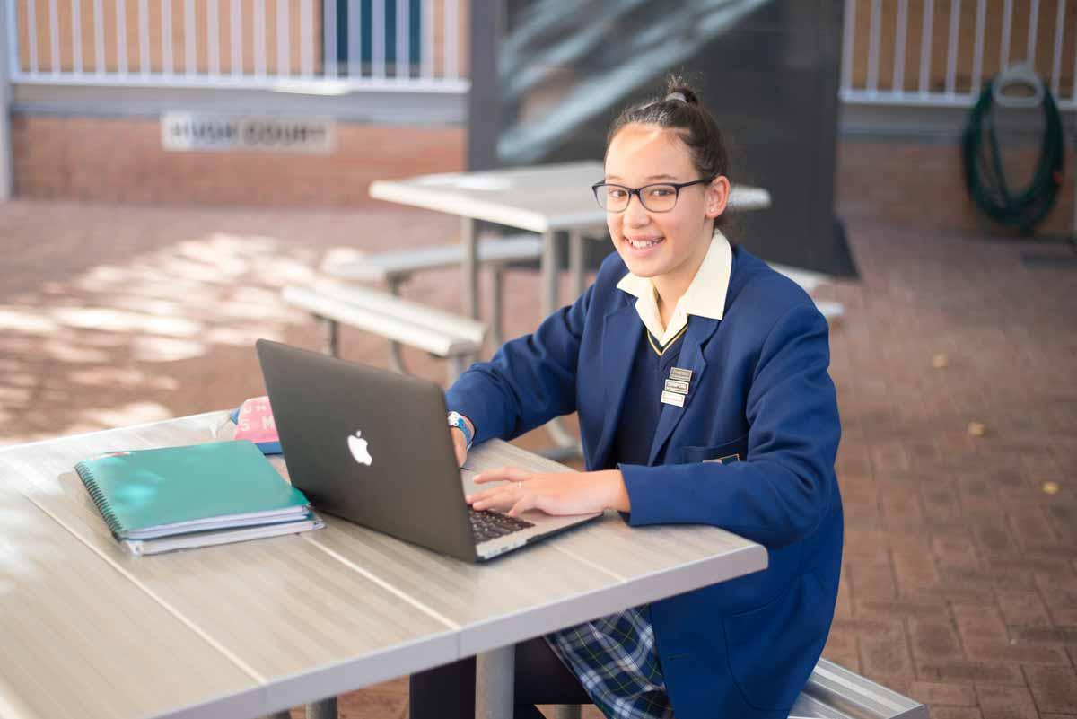 MacBook Program